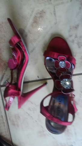 resd heels shoes
