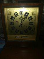 Редкие интерьерные каминные часы с числом и днем недели времен СССР