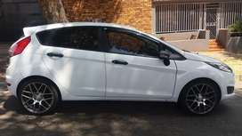 2016 Ford FIESTA Ecoboost