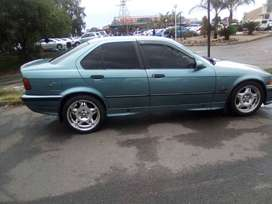 I'm selling my BMW 318i Dolphin with sun roof. R45000