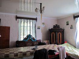 Продається будинок з прибудинковими будівлями у Хмельницькій області