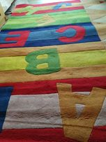 Gruby dywan do pokoju dziecięcego