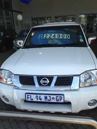 Image of 2014 Nissan Np300 2.4i 4X4 double cab