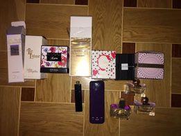 Коробки из-под парфюмов с пустыми баночками