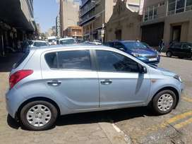 Hyundai i20 manual 1.2 2014 model for SELL