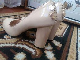 Продам туфли в идеальном состоянии.