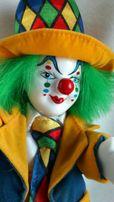 Фарфоровая комбинированная статуэтка клоуна