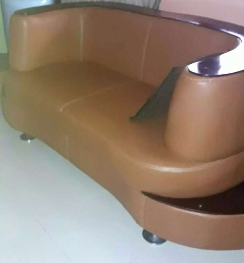 7 leather set of chairs seaters 0