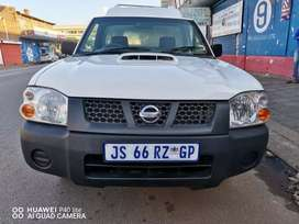 2015 NISSAN NP300 2.0 DIESEL CANOPY WITH SERVICE BOOK