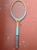 Ракеткa для большого тенниса.
