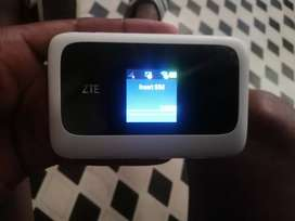 A Wi-Fi pocket router for R400