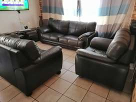 Genuine leather lounge suite uppers