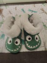 Krokodylki Buciki Niechodki H&M jak nowe