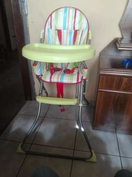 Im selling both baby stroller and a high/feeding chair
