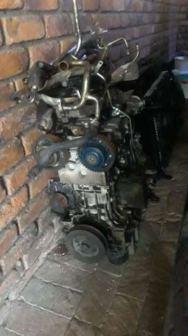 VOLVO 2L TURBO COMPLETE BUT STIPPING FOR SPARES