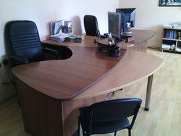 Рабочее место, офисный стол