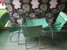 stół szklany z 3 krzesłami