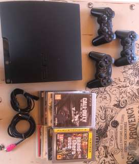 Playstation 3 || 3 controllers || 8 games