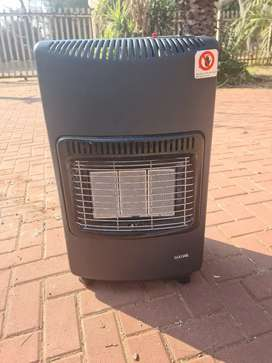 Gas heater and gas cylinder