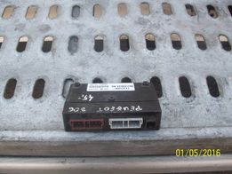 Sterownik alarmu Peugeot 306 406 moduł alarmu 962.3903.480
