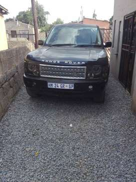 Range Rover 2003 model. In good conditions and full house. V8 engine