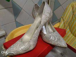 Туфли, белые с серебром, 38р