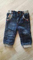 Spodnie jeansowe ocieplane 6-9m