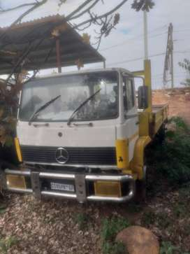 Mercedes econoliner with dropside