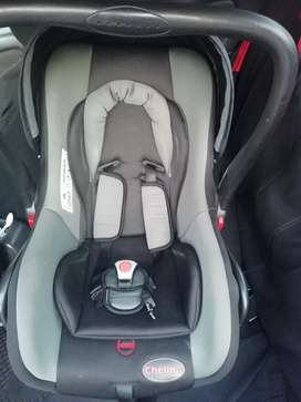 Chelino car seat/carrier/rocker NEGOTIABLE