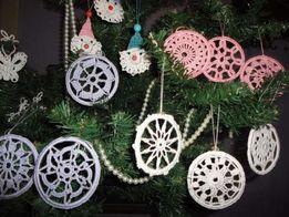 Новогодние елочные украшения в технике вязания брюггского кружева