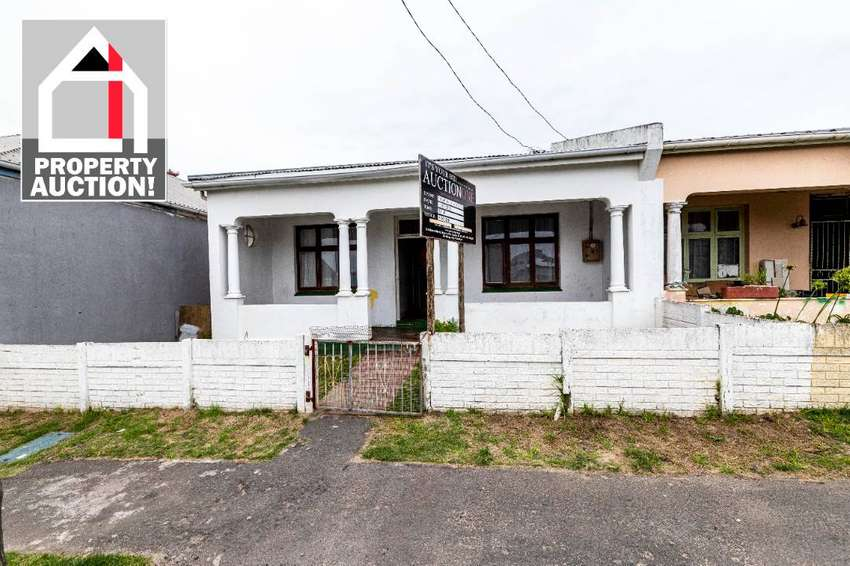 PROPERTY AUCTION - 3 HOOD STREET, WEST BANK, EAST LONDON. 0