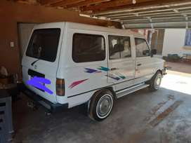 Hi selling my white toyota venture for R75000