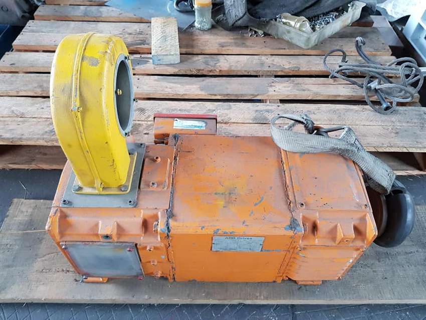 2 DC motors for sale - used 0