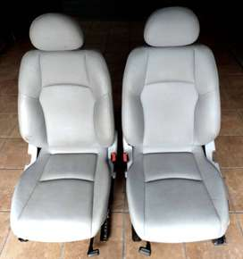 FRONT LIGHT GREY SEMI ELCTRIC LEATHER SEATS - From Mercedes W203 Sedan