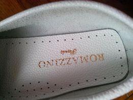 Туфли белые для девочки, кожаные.
