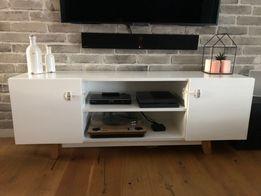 Szafka komoda RTV - biała drewniana / drewno, dębowe nogi / stojąca