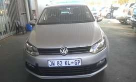 VW POLO VIVO 1.4 TRENDLINE