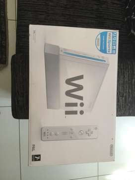 Nintendo Wii, charging dock, PES 2009, Wii sports and resident evil 3