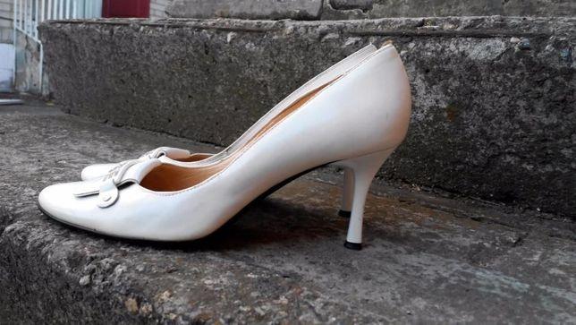 Платье выпускное / на свадьбу + ожерелье и серьги + туфли белые Киев - изображение 5