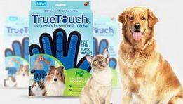 Щетка перчатка для вычесывания шерсти кошек и собак True Touch