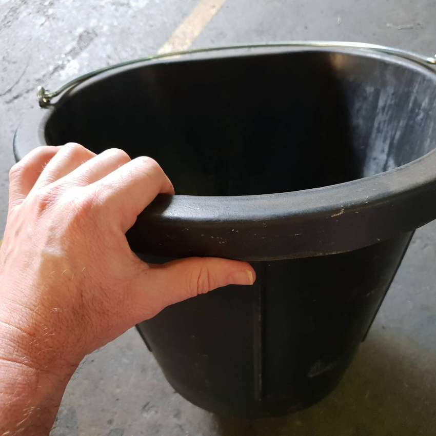 Horse Feedbins,Buckets and Troughs 0