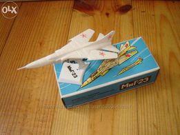 Коллекционная Модель - копия самолёт модель МИГ-23 СССР