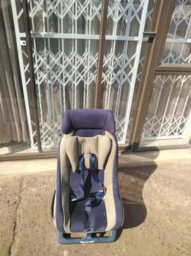 Car seat for sale in excellent condition