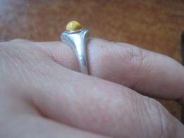pierścionek z bursztynem bursztyn srebro pr. 925 waga 3 g