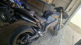 YAMAHA R1 2004 TO SWOP OR AS IS