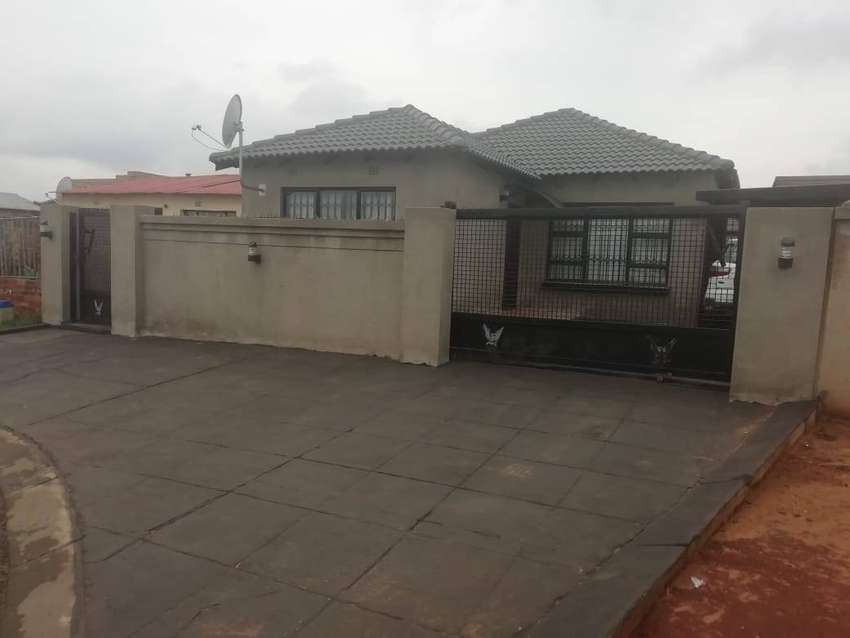 Decent house available for shared rental