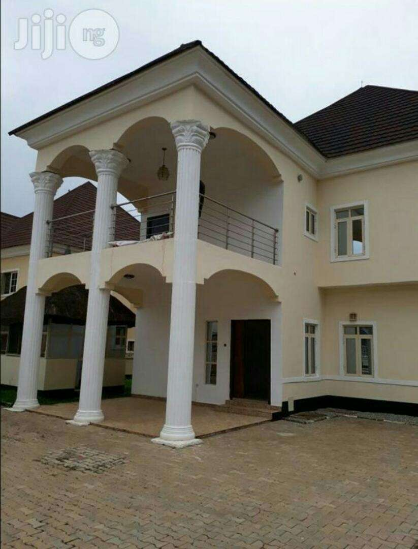 Beautiful 5 bedroom duplex for sale at lokogoma 0