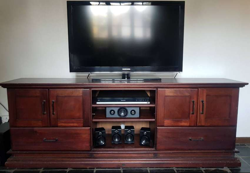 Timber Plasma TV unit 0