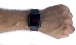 Наручные электронные часы