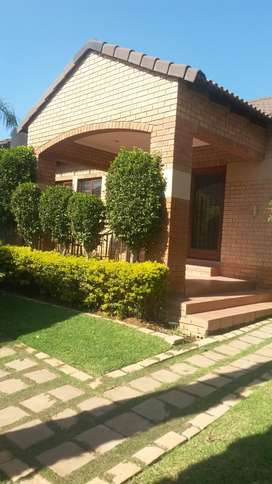 Neat spacious town house in a 24 hrs secured security Moikloof ridge